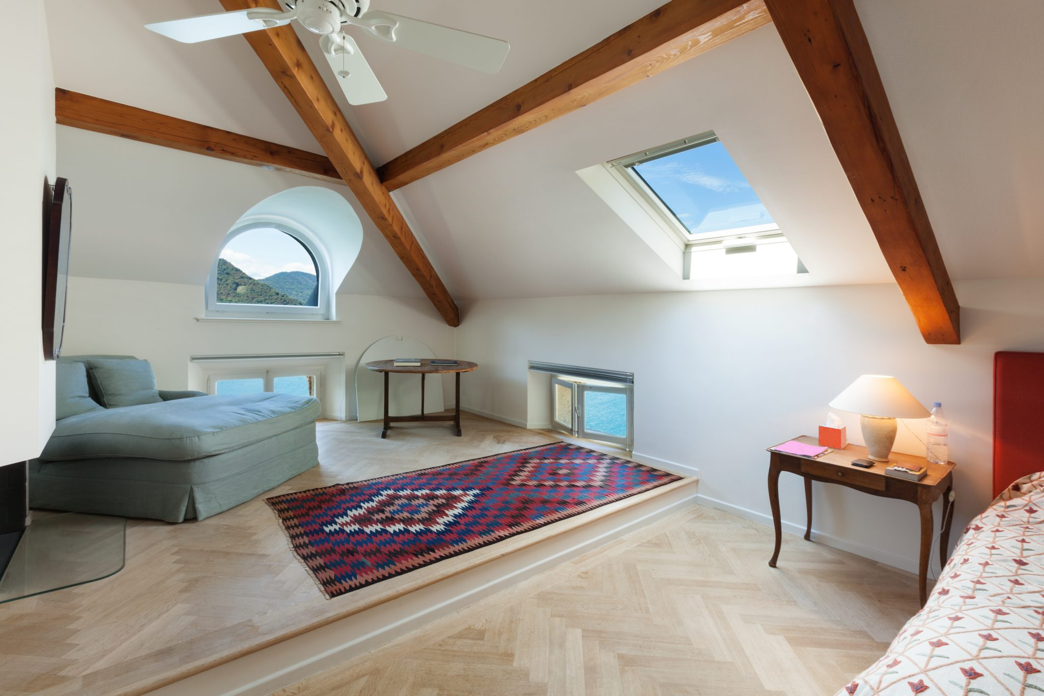 Room with roof lanterns